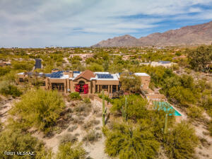 Wonderful location in Foothills gated community of Cat 10