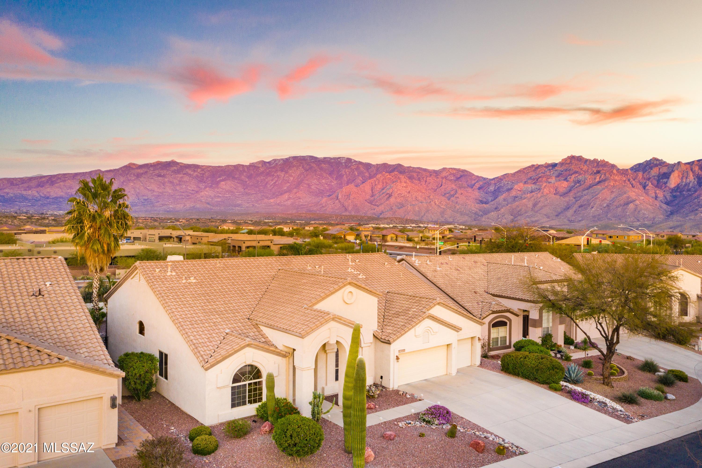 Photo of 13090 N Pioneer Way, Oro Valley, AZ 85755