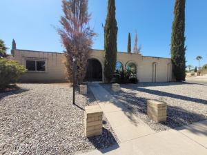 9000 E Calle Bolivar, Tucson, AZ 85715