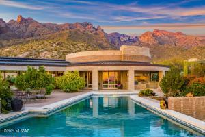 Perfectly sited on a spectacular view lot in exclusive The Canyons gated/guarded community
