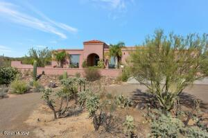 Spacious home on 3.45 acre lot with incredible views. City water, natural gas, paid solar, no HOA! Less than 2/10 of a mile on well graded road, then chip seal to house.