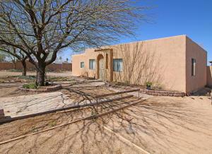 6290 S Benton Avenue, Tucson, AZ 85706