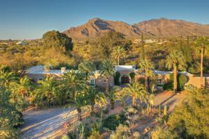 860 W Ina Road, Tucson, AZ 85704
