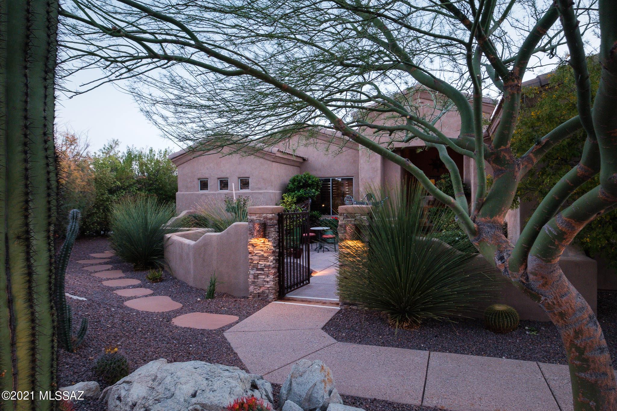 Photo of 591 W Quiet Springs Drive, Oro Valley, AZ 85755