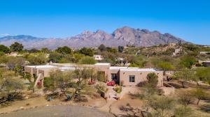 1060 W Saddlehorn Drive, Oro Valley, AZ 85737