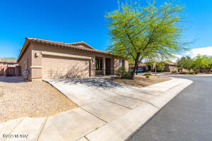 12360 N Feather Song Avenue, Marana, AZ 85658