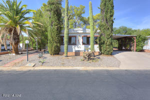 1709 N Pacana Way, Green Valley, AZ 85614