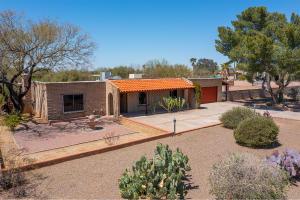 7437 N Casablanca Drive, Tucson, AZ 85704