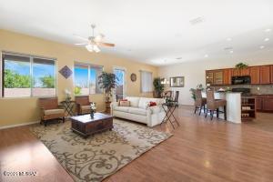 548 W Chatfield Street, Vail, AZ 85641