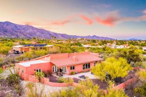 5772 N Camino Del Conde, Tucson, AZ 85718