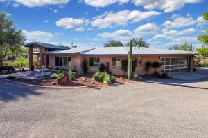 4601 N Hacienda Del Sol Road, Tucson, AZ 85718