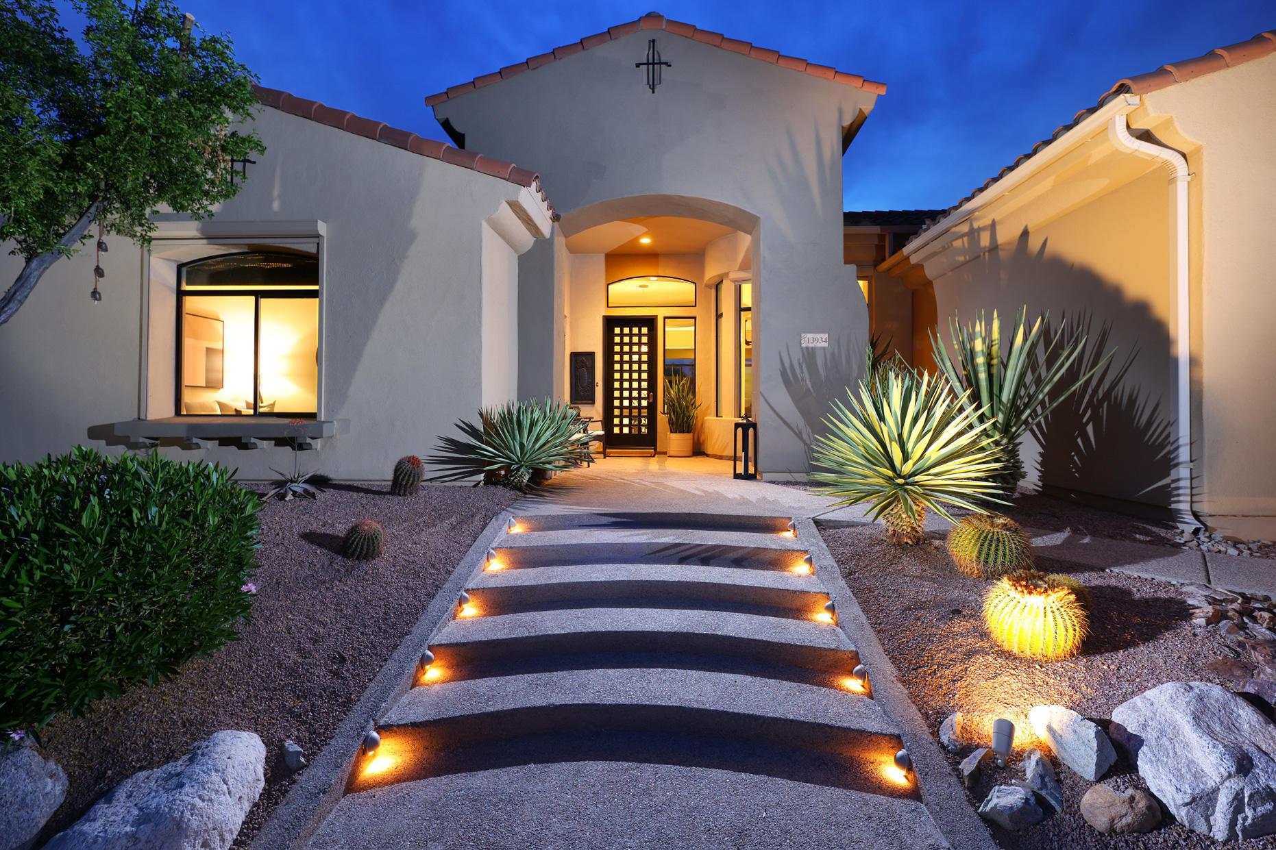 Photo of 13934 N Steprock Canyon Place, Oro Valley, AZ 85755