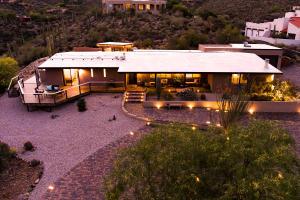 6221 W Lost Canyon Drive, Tucson, AZ 85745