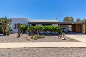 150 E Los Mangos, Green Valley, AZ 85614