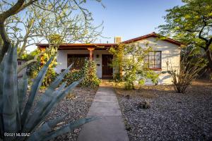 2210 E Water Street, Tucson, AZ 85719