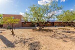 9221 E Indio Place, Tucson, AZ 85749