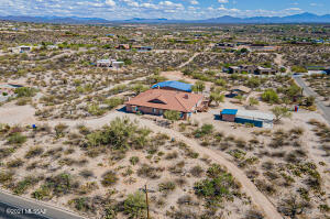 Amazing property with 5777 sq ft main house and 1258 sq ft guest house!
