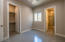 With en-suite bathroom and walk-in closet