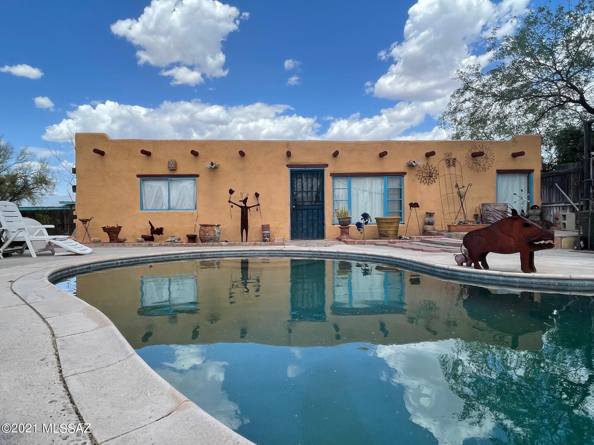 2715 N Silverbell Road, Tucson, AZ 85745