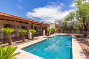 3504 E Calle Del Prado, Tucson, AZ 85716