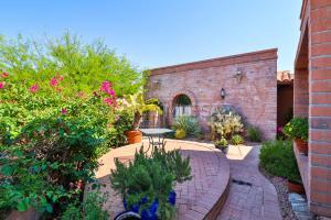 5528 Cam Del Penoso, Tucson, AZ 85750