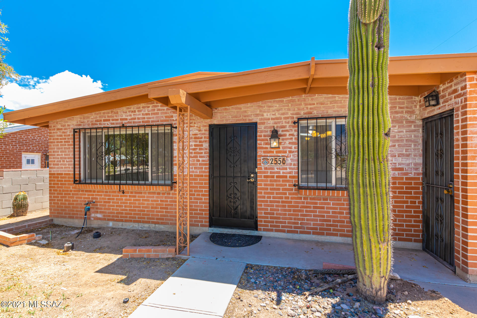 2556 N Tyndall Avenue, Tucson, AZ 85719