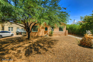 1927 E Hawthorne Street, Tucson, AZ 85719