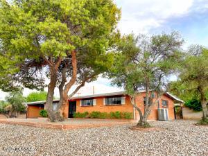 7402 E Calle La Vega, Tucson, AZ 85710