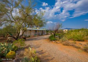 13675 E Pocketknife Drive, Vail, AZ 85641