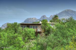 4502 N Caminito De La Puerta, Tucson, AZ 85718
