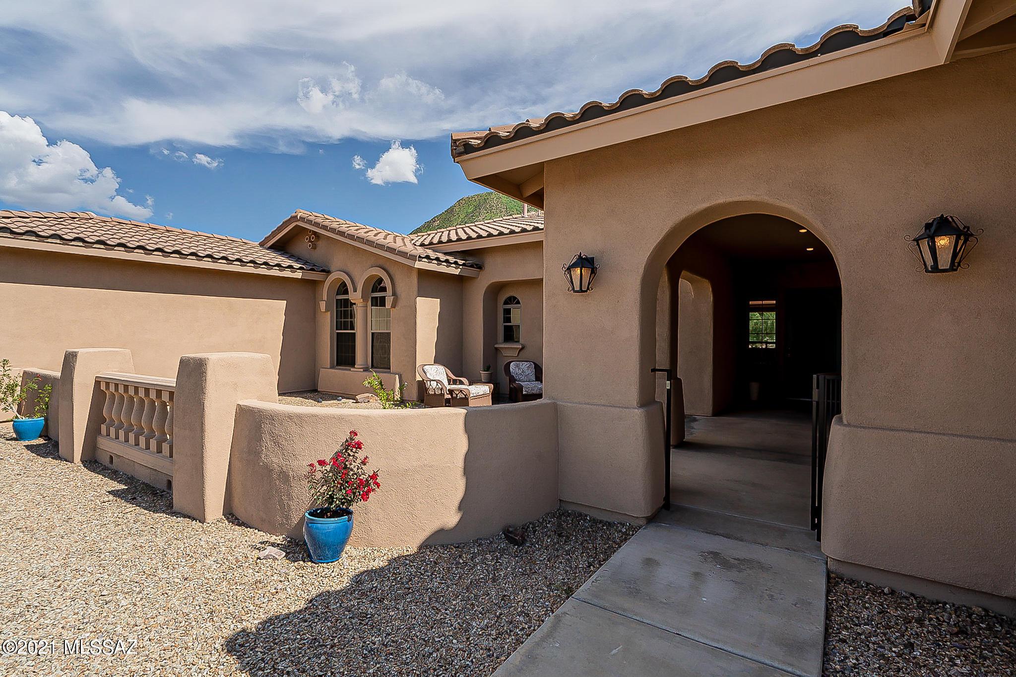 879 N Circulo Zagala, Tucson, AZ 85745