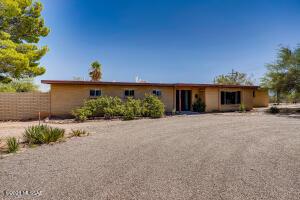 1381 W San Nicolas Drive, Tucson, AZ 85704
