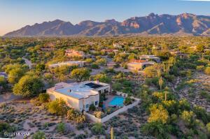 5650 N Placita Amanecer, Tucson, AZ 85718