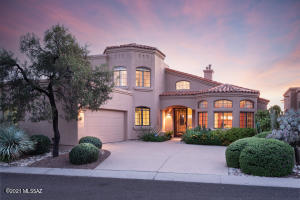 Live in Tucson's most desirable golf course community in the Foothills, La Paloma. This home has everything you need and nothing you don't!