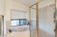Large soaking tub w/separate shower