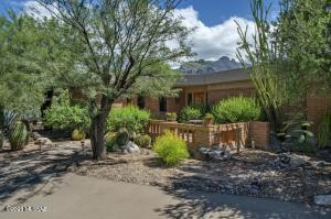 6828 N Solaz Cuarto, Tucson, AZ 85718