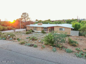 1035 E Camino De Los Padres, Tucson, AZ 85718