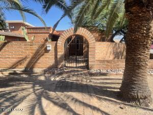 3051 E Hawthorne Street, Tucson, AZ 85716