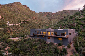 6304 W Trails End Road, Tucson, AZ 85745