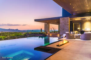 """""""The Point"""" at Ritz Carlton Residences in Dove Mtn"""