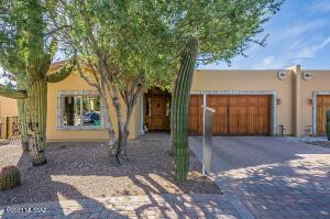 2572 E Via Corta Di Amore, Tucson, AZ 85718