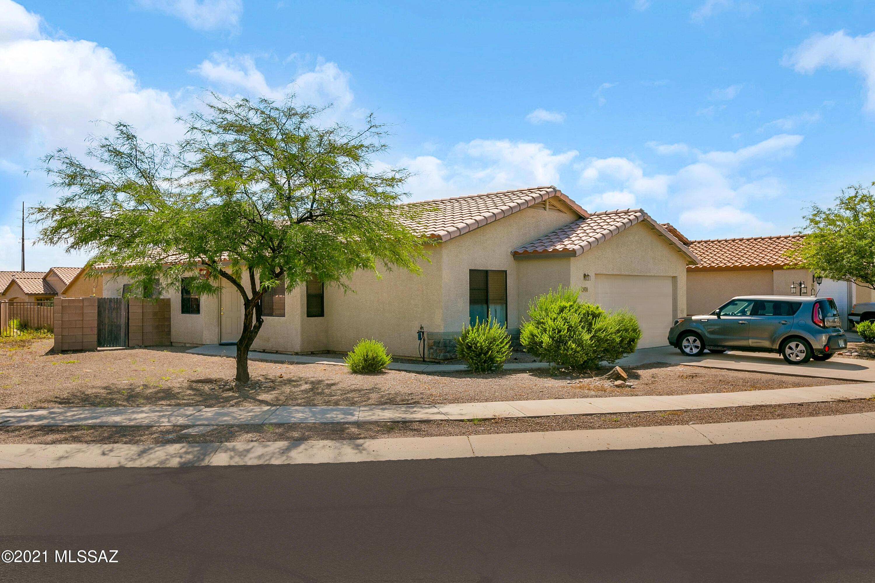 2906 N Xochipilli Drive, Tucson, AZ 85745