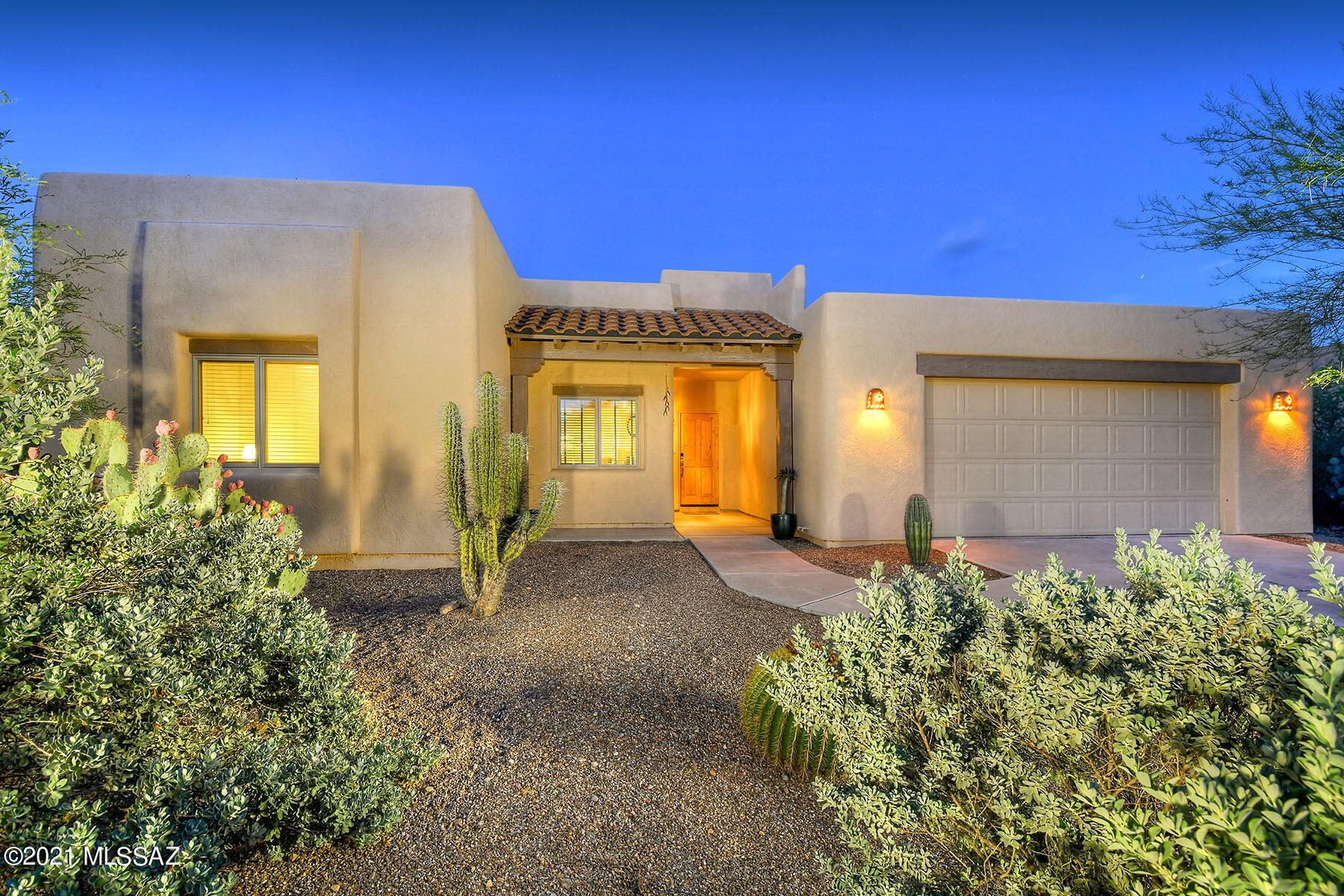 867 S Temporal Gulch Drive, Green Valley, AZ 85614