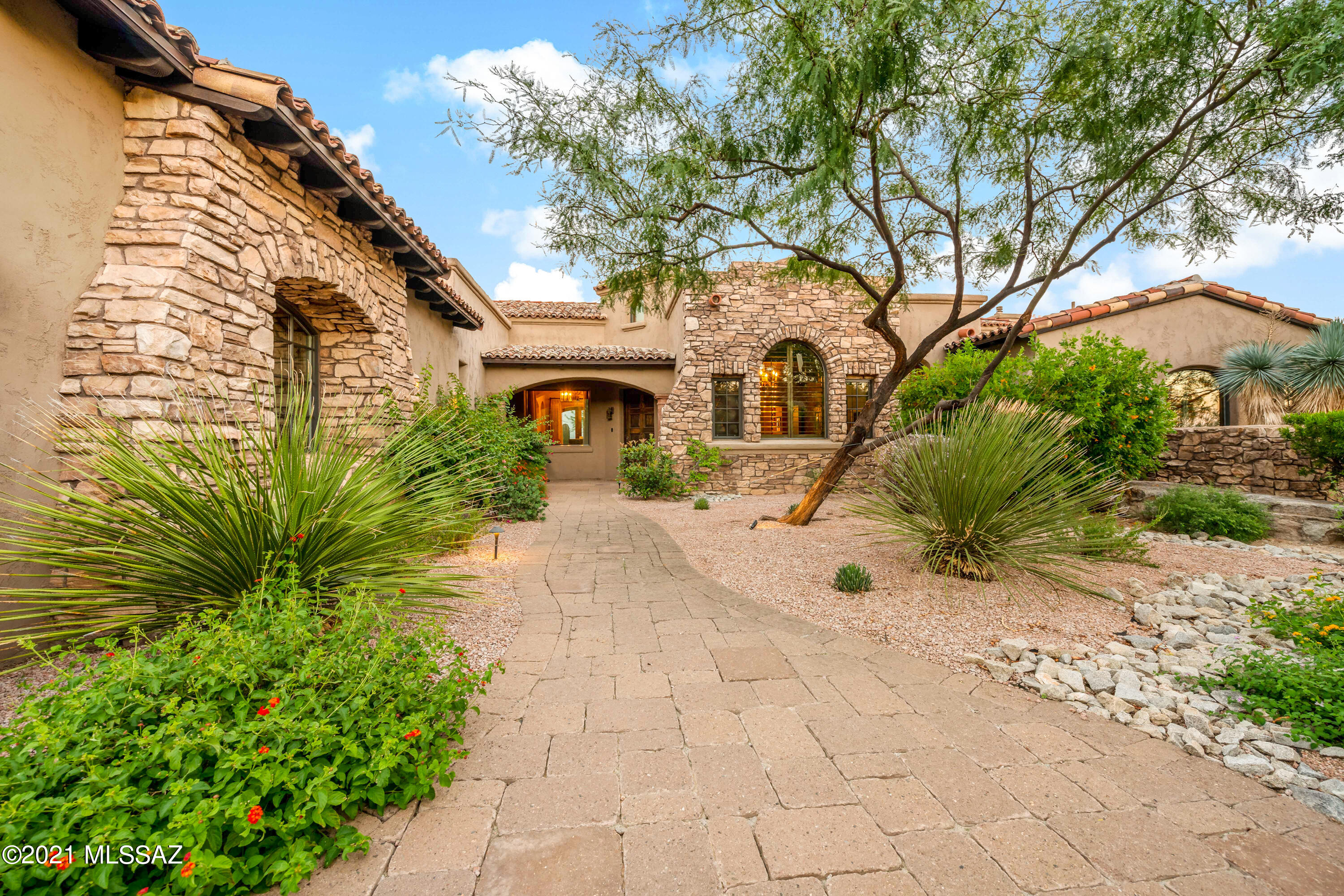 Photo of 14546 N Shaded Stone Place, Oro Valley, AZ 85755