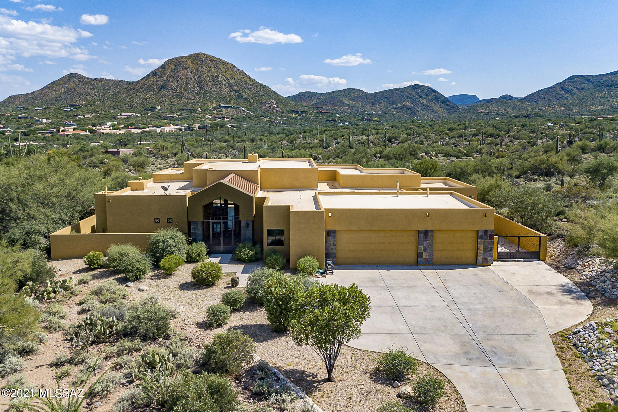 1364 N Acacia Cliffs Court, Tucson, AZ 85745