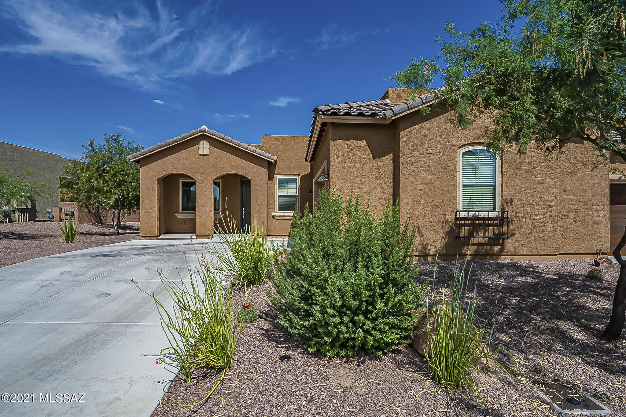 13202 N Humphreys Peak Drive, Oro Valley, AZ 85755