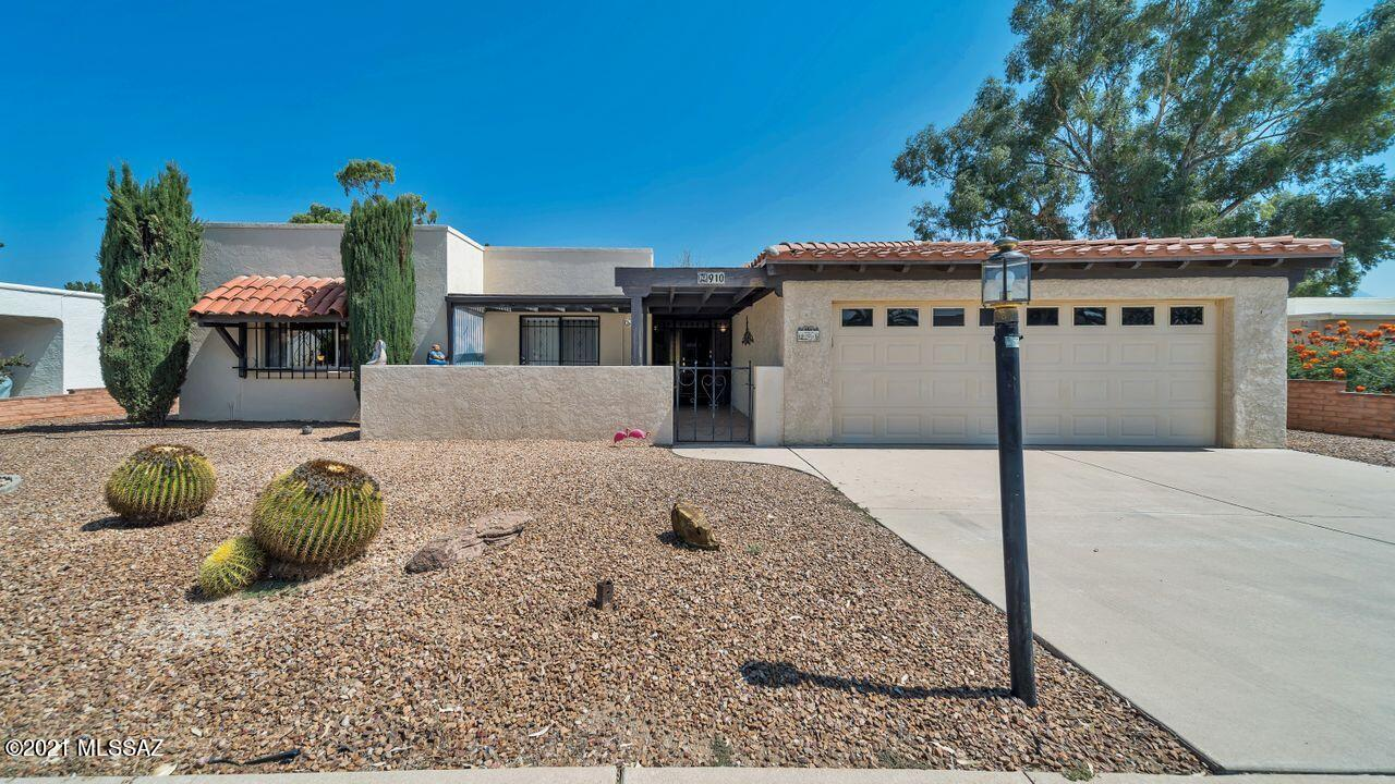 910 N Abrego Drive, Green Valley, AZ 85614