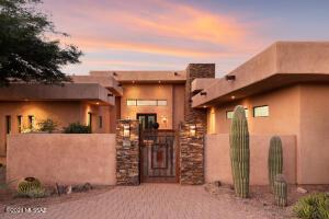 Frank Lloyd Wright inspired 3,736sf 3BR/4BA home in gated Coyote Creek