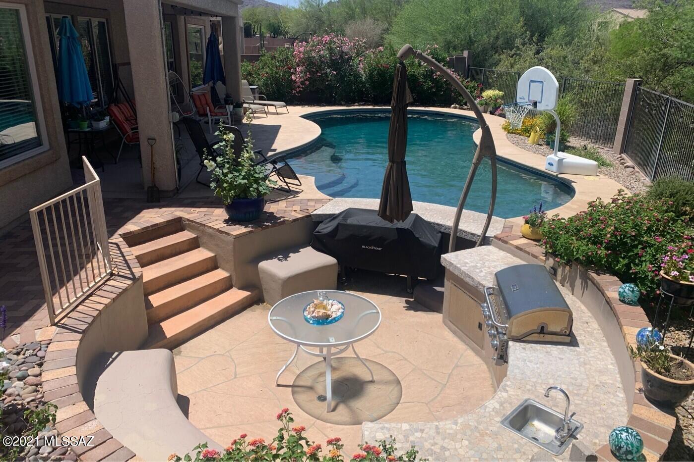 7889 N Blakey Lane, Tucson, AZ 85743