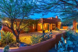 900 N Rancho Del Jefe Loop Loop, Tucson, AZ 85748